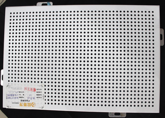Cina 300 x 300 Logam Perforated Ceiling Acoustic Suspended Ceiling Tiles Plate Dengan lapisan roll pemasok